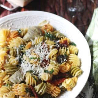 Light Pasta with Sun Dried tomatoes, Artichokes and Spinach